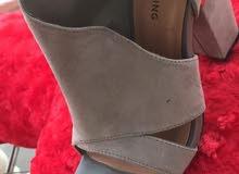 حذاء نسائي فاخر