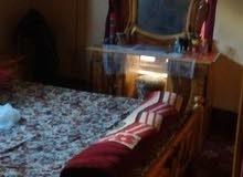 غرفة نوم مع توابعها للبيع