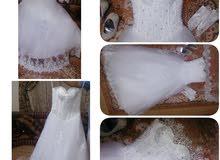 فستان زفاف لبسه واحده لمده ساعتين اشتريته ب 80الف واشتي ابيعه ب خمسه وستين الف