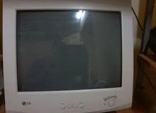 الكمبيوتر بحاله ممتازه  استعمال  خفيف  ...موصفات: كمبيوتر مع لوحه مفاتيح