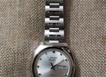 ساعة یابانیة ( Seiko 5 )