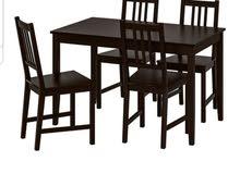 طاولة واربع كراسي مع المرفقات
