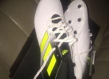 حذاء اديداس جديد