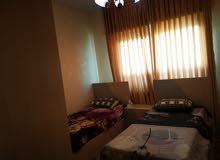 شقة للإيجار في الجاردنز قرب جبري خلف مسجد الطباع