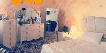 غرفه نوم شبه جديدة استعمال قليل جدا اريد ابيعها بسبب سفر