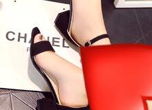 حذاء جيد ومريح بكعب خفيف متوفر لون بيج مقاس35