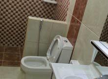 شقه للايجار بمنطقه سند نصف فرش اول ساكن غرفتين حمامين صاله كبيره يوجد لفت وبارك وحارس 270 دينار