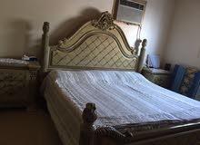 غرفة نوم لايوجد بها اي عيب شبه جديدة من الخشب الزان القوي