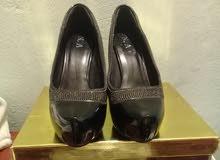 حذاء 37