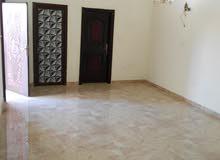 غرف مع دورات مياه خاصه للعوائل والموظفات في الخوض السادسه