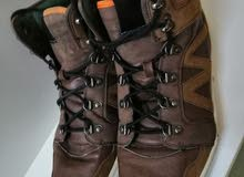 حذاء نوع Dxxz بحالة الوكالة نمرة 46  السعر 20 دينار قابل للتفاوض