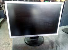 شاشة كمبيوتر 19