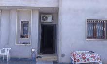 عندي منزل للبيع بالاثاث في عين زارة الكحيلي خلف جامع فاطمة الزهراء