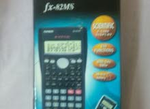 آلة حاسبة CASIO FX-82MS