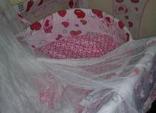 سرير اطفال شبه جديد استعمال خفيف