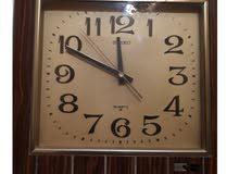 ساعة قديمة ممتازة ومع جرس