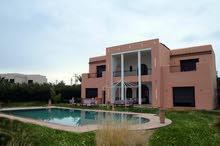 فيلا راقية 4 غرف للإيجار بمدينة مراكش المغربية الساحرة