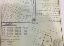 أرض سكنية بموقع مميز ( خلف مركز الشرطة ) شارع البريمي صحار.