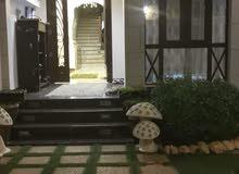 للبيع توين فيلا راقيه جدا في الخوض 6 بموقع جميل عند مسجد حي المعرفه
