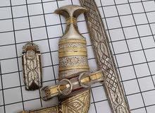 خنجر قرن جاموس صناعه قديمه فاخره مطليه بالذهب