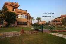 عماره بموقع مميز من 3ادوار بالحشان مساحة الارض 500م بها 6شقق على 3واجهات للبيع