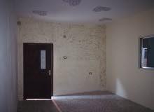 شقة طابقية للايجار في الوحدات قرب مركز صحي العودة ...