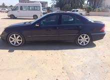 Available for sale! +200,000 km mileage Mercedes Benz C 300 2005