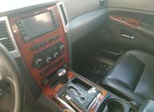جيب شيروكي ليمتد محرك هيمي موديل 2008 رقم واحد .. اللون رصاصي داخل جلد اسود بقمه