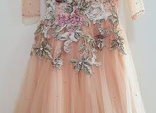 فستان قصير ناعم للمناسبات يجنن مفصل سواروفيسك
