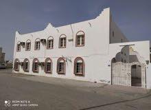 منزل في الخوض الشعبية قريب من السوق التجاري وقريب من الجامعة منطقة غنية التعريف