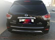 Nissan pathfinder 2014 model. top option.