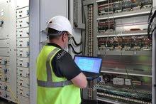 مهندس كهرباء يبحث عن عمل بعد الساعة الرابعة عصرا