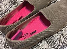 حذاء اسكتشر جديد حريمي لم يستخدم نهائياً مقاس 38