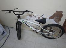 دراجة بي ام اكس كبيره تحتاج الى اصلاحات بسيطه مثل.... اقرأ الوصف