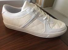 أحذية رياضية ماركة