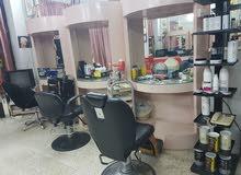 صالون للسيدات للبيع الشارقة شارع جمال عبد الناصر بكامل المعدات
