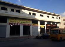 طابق اول للبيع     تجاري مساحه  700 متر مربع على شارعين