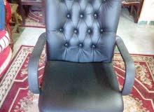 كرسي هيدروليك حالة ممتازة خامات عالية الجودة يصلح لاغراض عديدة بحالة ممتازة
