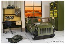 غرفة نوم أطفال تصميم سيارة الجيش