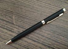 قلمين اسود لامع و اسود مطفي