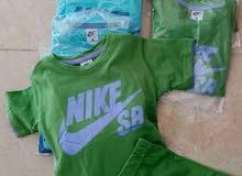 نشتري ملابس التصفية من المحلات