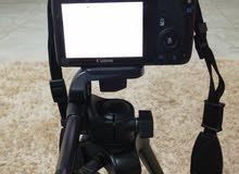 للبيع كاميرا كانون Eos  100D نضيفه جدا شبه جديد.