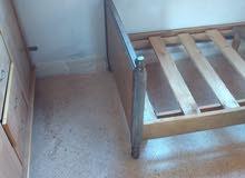 تخت خشب قوي بدون فرشه للبيع