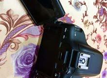 كاميرا 750D مع عدسة 75-300  نظيفه جدا سبب البيع تغيير الى كاميرا ثانيه