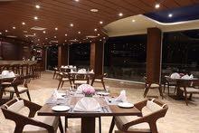 محل 32 م + 23 مساحة مفتوحة يصلح كافيهات او مطعم