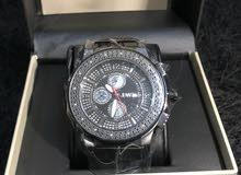 ساعة فاخرة مرصعه بالألماس جديدة للبيع بسعر مغري