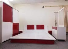 غرفة نوم مع ستارة للبيع