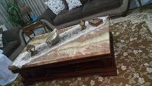 طاولة وسط خشب مع رخام