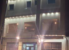 صالة بي الطابق الاول  بجوار جسر سوق الجمعة