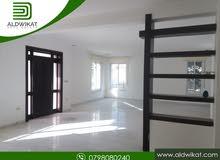شقة ارضية مميزة للايجار في خلدا الهمشري مساحة البناء 330 م مع حديقة و كراج خاص 200 م